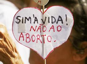 Campanha contra aborto mobiliza internautas e promove tuitaço