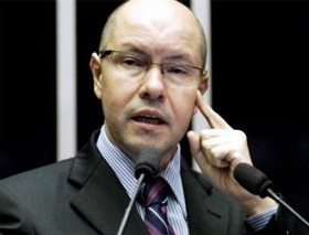 Conselho de Ética aprova cassação do mandato de Demóstenes Torres