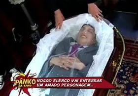 'Enterro' de Silvio Santos pode levar o programa 'Pânico' à Justiça; veja o vídeo
