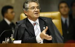 """Ministro do STF critica a frase """"Deus seja louvado"""" nas notas de Real"""