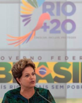Na Rio+20, Dilma afirma que homem tem que ajudar no serviço de casa