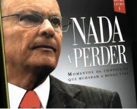 'Nada a perder' é o título da autobiografia de Edir Macedo; veja o vídeo