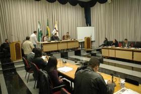 Vereadores rejeitam oração do Pai Nosso em escolas no Paraná