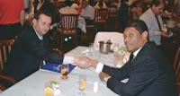 Valdemiro da Mundial abençoa em culto o candidato Serra e procura de apoio dos religiosos cresce