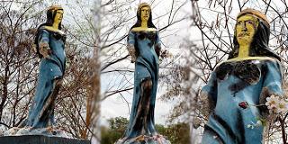 Estátua de 'Iemanjá' é apedrejada, e sem provas jornalista acusa evangélicos