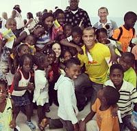 Depois de abrir igreja, Rivaldo deixa a Angola