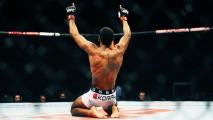 Lutador de UFC  entra no octógono ao som de Oficina G3