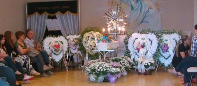 Bebê morre após ser esquecido no carro pelo pai em MG