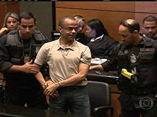 Em julgamento no Rio, Beira-Mar diz que estuda teologia em presídio