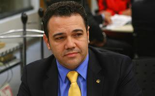 Marco Feliciano anuncia sua renuncia