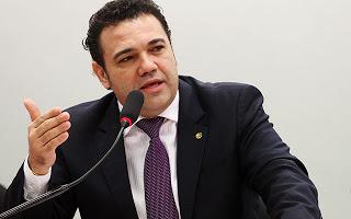 Feliciano diz que comissão era 'dominada por Satanás' antes de sua chegada