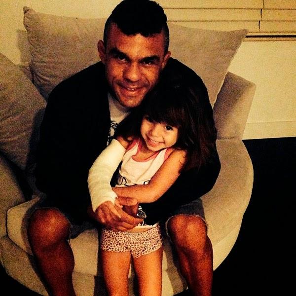 Filha do pastor Vitor Belfort quebra o braço pela segunda vez