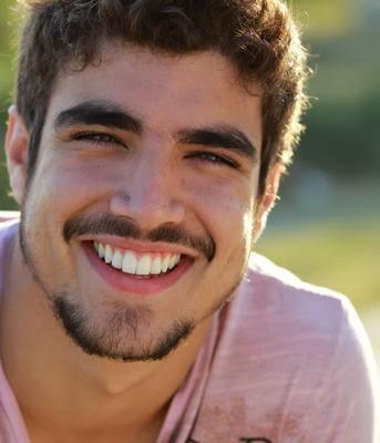 15 dias após morte de filha, Caio Castro vai ser pai novamente