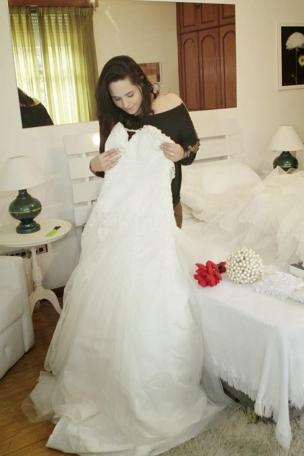 Perlla ostenta e gasta R$200 mil em casamento