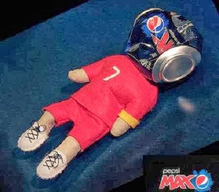 Pepsi faz boneco de vudu do jogador Cristiano Ronaldo
