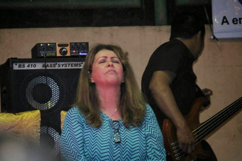 Cantora Shirley Carvalhaes  continua fazendo sucesso nas igrejas
