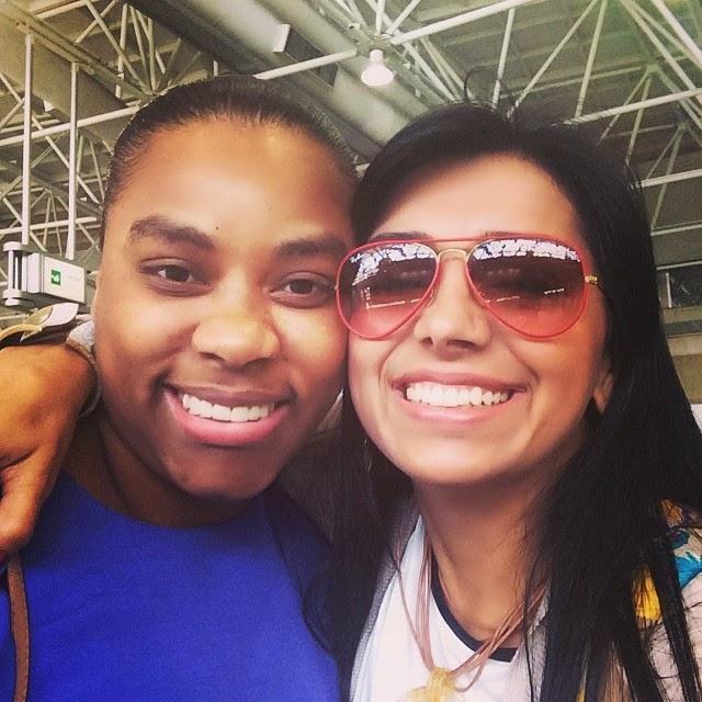 Eyshila encontra Elaine Martins em aeroporto