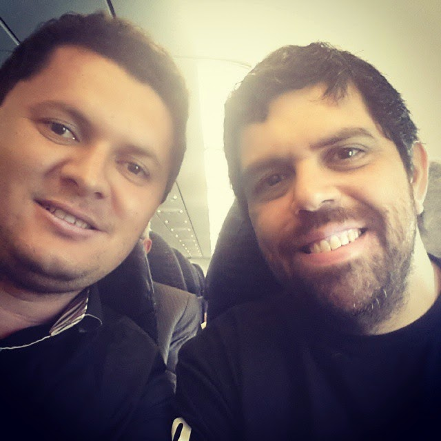 Saxofonista Oziel Melo encontra Banda Catedral em avião