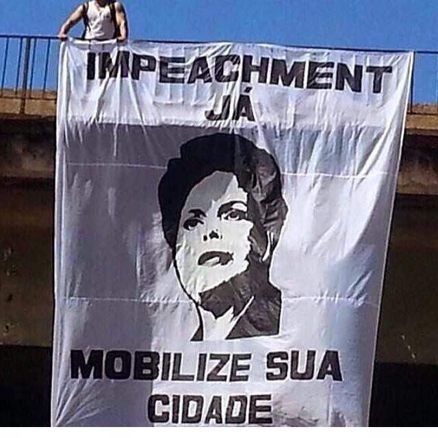 Movimento pede Impeachment de Dilma Rousselff
