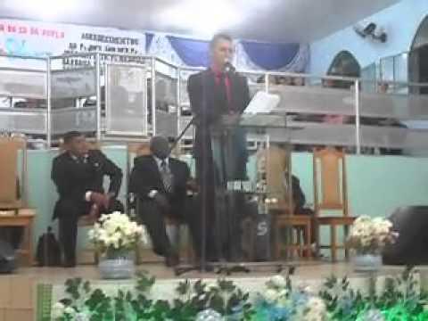 Cantor gospel morre no altar da Assembleia de Deus