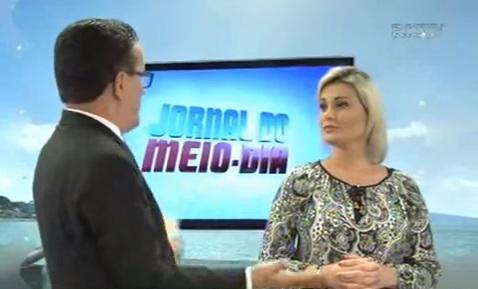 Apresentador da Record humilha Andressa Urach em entrevista ao vivo
