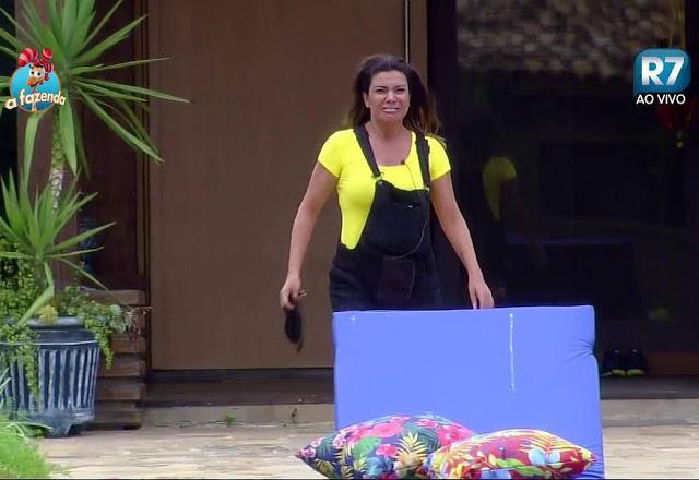 """Mara Maravilha surta e grita dentro da casa: """"Brasil, me põe pra fora porque eu quero sair"""""""