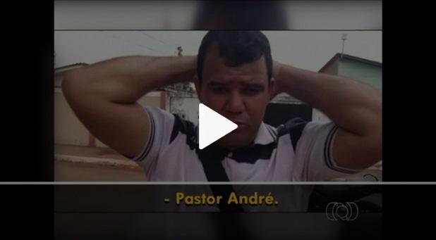 Video: Pastor é confundido  com traficante por PM's
