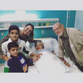 Ana Paula Valadão celebra a vida com a partida da avó