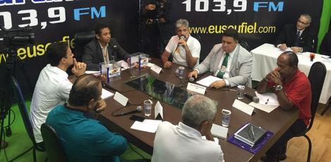 """Em Jaboatão-PE, Anderson Ferreira  é desmascarado e """"Massacrado"""" em debate"""
