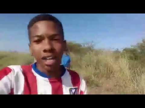 Vídeo de 3 adolescentes fugindo no meio do mato, leva internautas as lágrimas