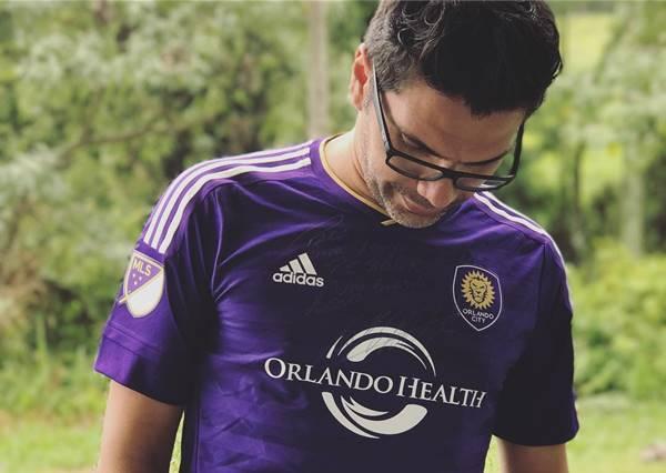 Paulo César Barcuk vestindo a camiseta do Orlando City