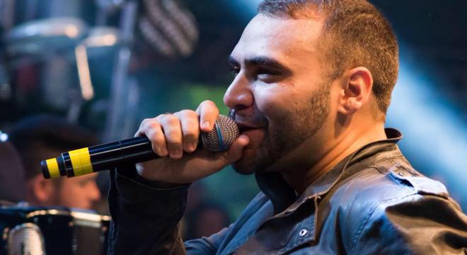 Cantor Felipão pode estar voltando a música secular