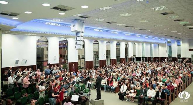 """Assembleia de Deus de Joinville """"Mente"""" e nega vínculo com pastor preso"""
