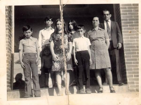 Pastor Cesino com sua família