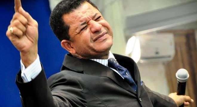 Impiedoso: Abílio Santana ameaça secretária de Isa Reis