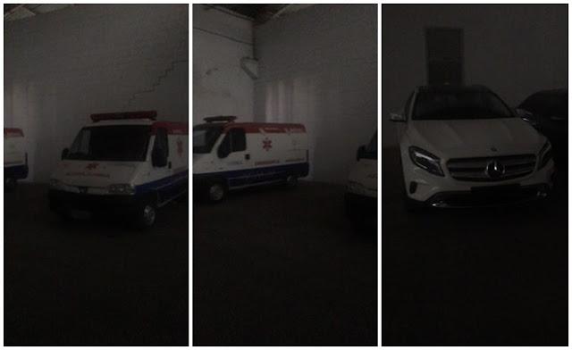 Veículos na garagem da igreja
