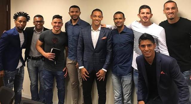 Escola do Reino une jogadores rivais e revela líderes de excelência