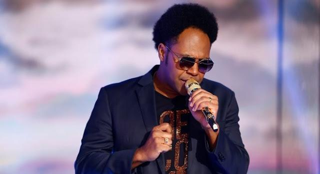 Thalles Roberto tem agenda fraca no Brasil e volta a cantar no exterior