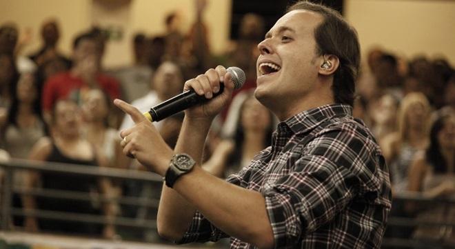 André Valadão nega que tenha expulsado professor do palco durante show