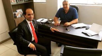Pr. Hueslen Santos, vice presidente do Gideões e o vereador Zeac Simas