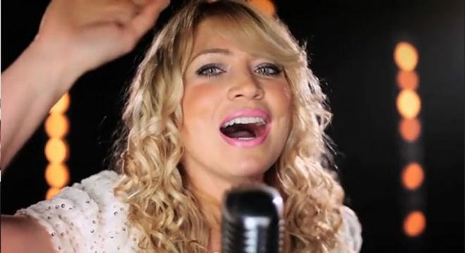 Cantora gospel Elaine de Jesus