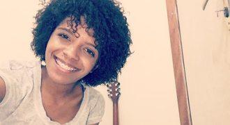 Cantora gospel Kemilly Santos