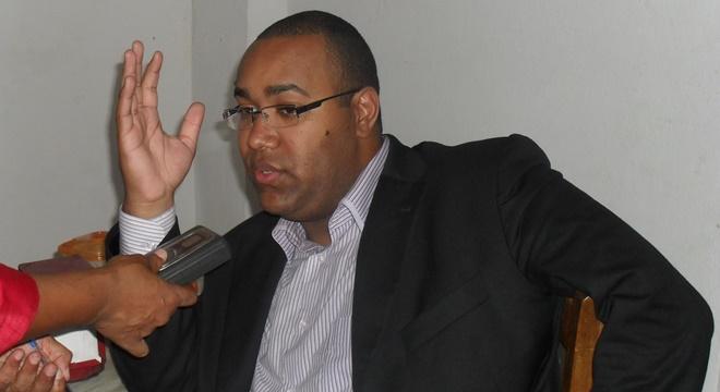 Gerson Rufino dá show de antipatia em evento do dia do evangélico