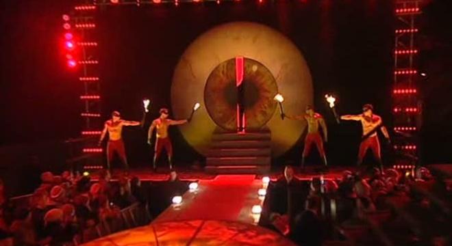 """Resultado de imagem para Vídeo mostra Bial fazendo """"Ritual Macabro"""" durante abertura do Big Brother"""