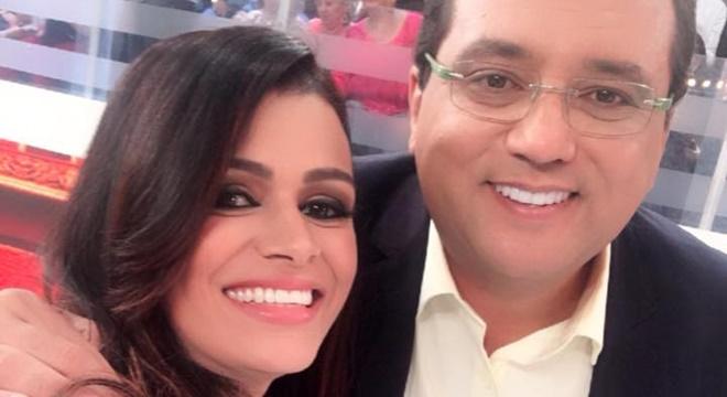 """Cantora gospel Damares grava participação no """"Domingo Show"""""""