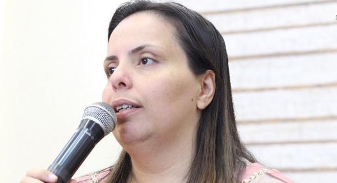 Urgente! Pastora Helena Raquel é internada às pressas