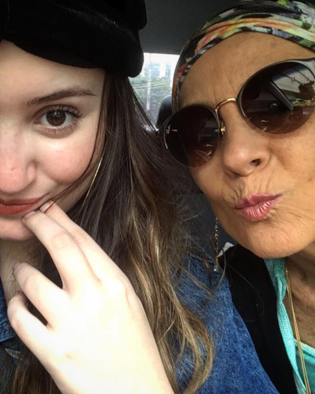 Ludmila Ferber ao lado da filha Dani. (reprodução)