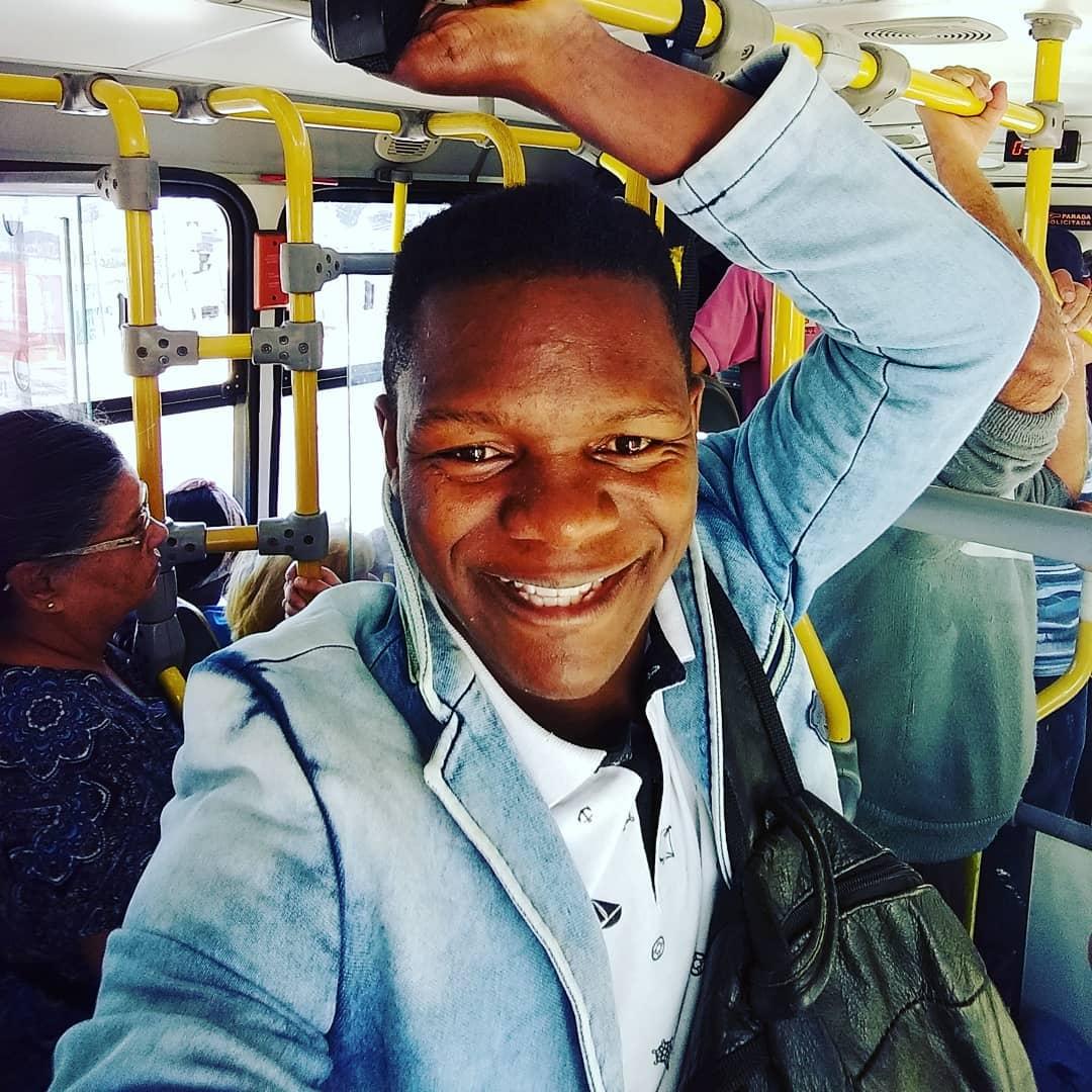 Pregador  é flagrado usando transporte público e mostra que é gente como a gente