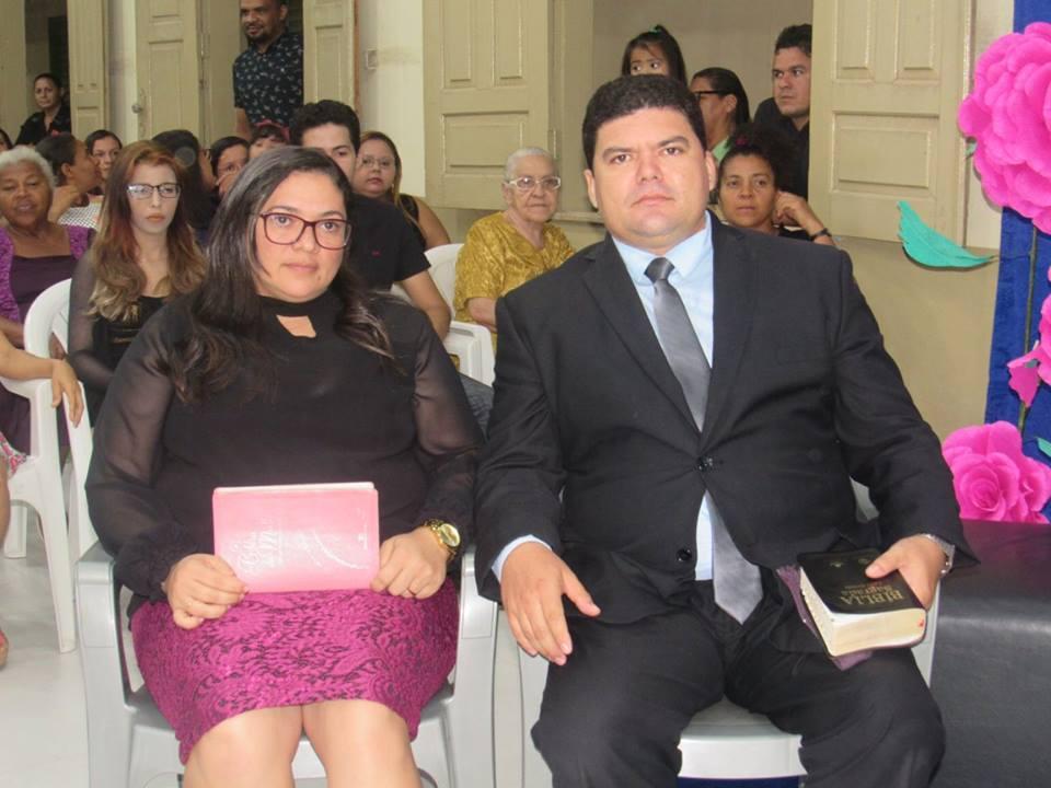 Pastor Lázaro Amorim e a esposa, Ozana Oliveira, filha do pastor José Gomes