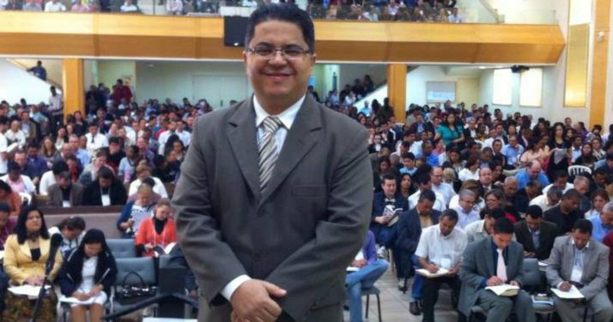 Pastor Robson Brito - Assembleia de Deus, Maringá - PR
